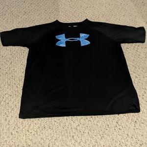 Boys Under Armour lightweight black shirt